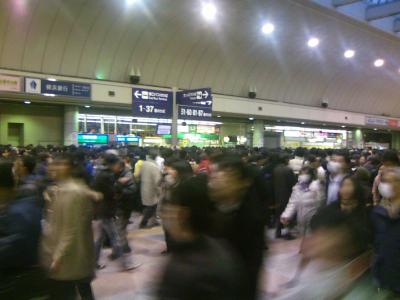 夕方の川崎駅の様子